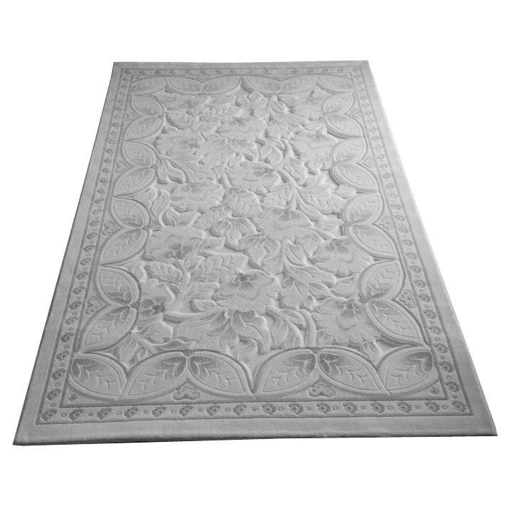 A csodaszép virágos klasszikus szőnyeg